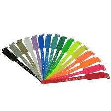 Pestra paleta barv zapestnic.